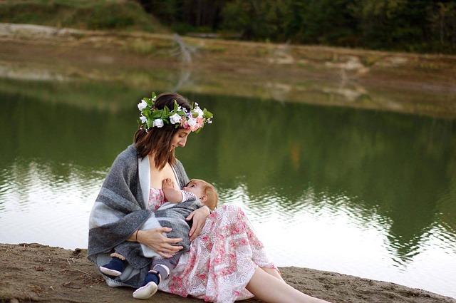 Kobieta karmiąca piersią