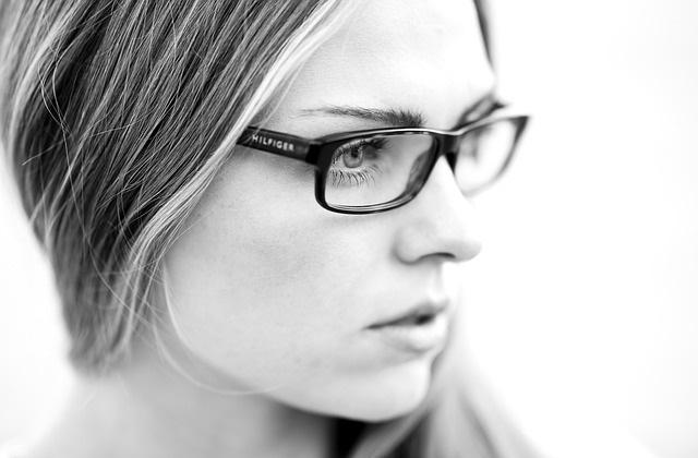 Kobieta w okularach