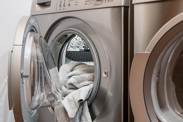 Pralka z praniem