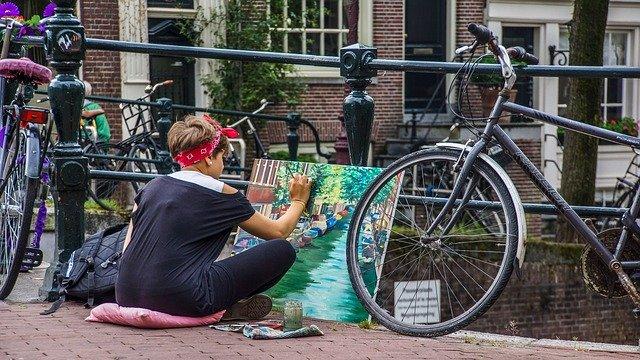 Malująca kobieta w Holandii